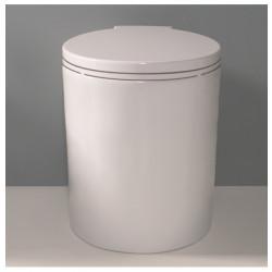 Play vaso scarico parete bianco